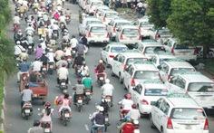 Taxi hoạt động lộn xộn do... thiếu quy hoạch phát triển