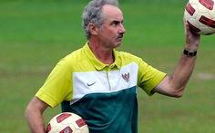 HLV Alfred Riedl trở lại với bóng đá Lào