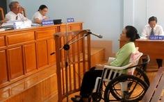 Bị tai nạn, lập hồ sơ hưởng bảo hiểm, nhận 12 tháng tù