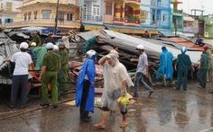 Lốc lớn, sập 68 quầy kinh doanh chợ Cao Lãnh