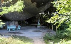 Kỳ thú chùa Hang núi Chùa