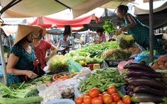 Giá rau tăng mạnh do mưa