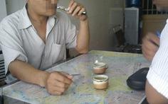 Khó bỏ thuốc lá bằng thuốc lá điện tử