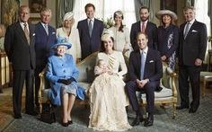Bốn thế hệ hoàng gia Anh cùng chụp ảnh sau 120 năm