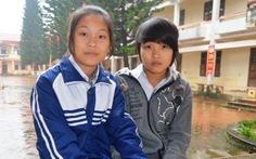 Hai học sinh trả lại 23 triệu đồng cho người đánh rơi