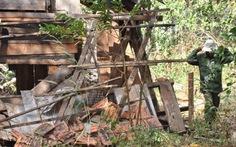 3 voi rừng quần nát cả chục ngôi nhà, dân sơ tán