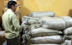 Phát hiện 2,4 tấn mực xé sợi nhập lậu từ Trung Quốc