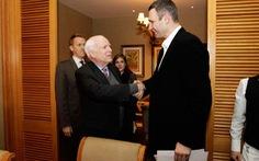 Võ sĩ Vitali Klitschko giải nghệ, tập trung cho chính trị