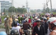 Xe máy, xe ben tông nhau, vợ chết, chồng và con bị thương