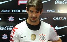 Pato chia tay Corinthians vì lo lắng cho an toàn bản thân