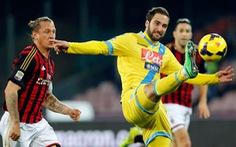 Seedorf nếm thất bại đầu tiên tại Serie A