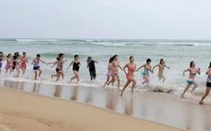 Trung Quốc: bố trí cảnh sát ngăn tắm nắng khỏa thân