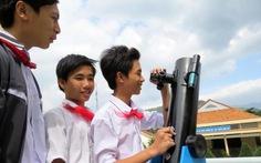 Học sinh lớp 9 chế tạo kính thiên văn