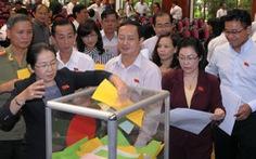 Quốc hội tạm dừng lấy phiếu tín nhiệm