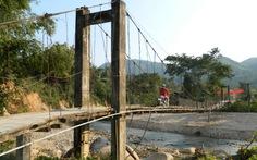 Kiến nghị cấm lưu thông qua cầu treo không an toàn
