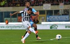 Tevez lại lập công đem về ba điểm cho Juventus