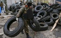 """Ukraine mở chiến dịch """"chống khủng bố"""" ở miền đông"""