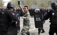 Siết an ninh sau vụ khủng bố Tân Cương, 3 người chết