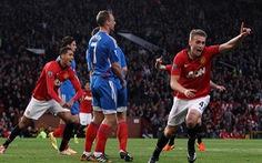Tân binh Wilson lập cú đúp, Manchester United thắng Hull