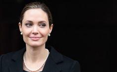 Angelina Jolie bức xúc về vụ nữ sinh Nigeria bị bắt cóc