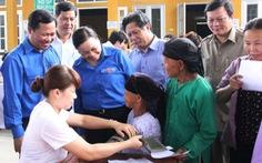 6.000 thầy thuốc trẻ chữa bệnh cho người nghèo