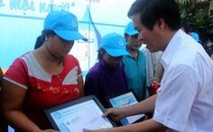 Tặng bồn chứa nước sạch cho hộ nghèo tại TP.HCM