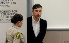 Phóng viên tấn công Brad Pitt bị tù treo ba năm