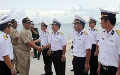 Hải quân VN, Philippines bắt tay nhau trên đảo Song Tử Tây