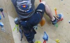 Người khuyết tật leo núi