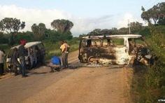 Tấn công khủng bố ở Kenya, gần 50 người chết