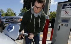 """BMW, Nissan """"thèm thuồng"""" công nghệ xe điện của Tesla"""