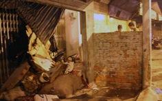 Xe máy cũng tông sập tường nhà dân, lái xe chết tại chỗ