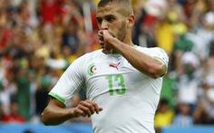 Slimani xuất sắc nhất trong chiến thắng của Algeria