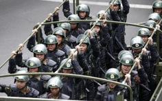 """Trung Quốc bỏ tù 32 người truyền tải phim """"khủng bố"""""""