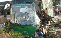 Xe khách xe tải tông nhau giữa khuya, 1 người chết