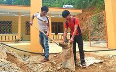 2 anh em hiến đất xây trường
