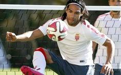 Falcao lần đầu trở lại thi đấu