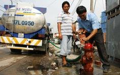 Lắp đường nước, bỏ sót hộ dân?
