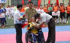 Hơn 310 triệu đồng giúp nhà báo Minh Hùng