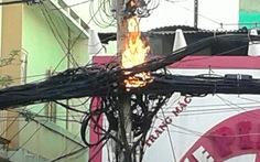Cột điện nổ, bốc cháy ngùn ngụt
