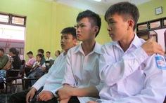 Đề nghị miễn hình phạt cho 2 học sinh giật mũ
