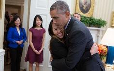 Obama, Nina và cái ôm nổi tiếng