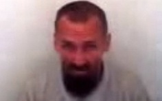 IS hành quyết kỹ sư Nga, chiếu video cho tù nhân xem