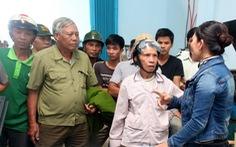 Dân tụ tập, đào đường phản đối xưởng gây ô nhiễm
