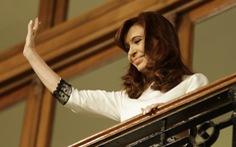 Tổng thống Argentina nhập viện