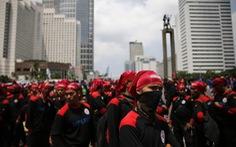 Công nhân Indonesia biểu tình đòi tăng lương