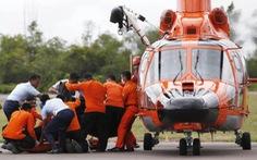Chuyến bay QZ8501:Manh mối từ các mảnh vỡ và thi thể