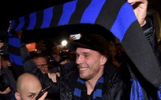 Podolski chia tay Arsenal, gia nhập Inter Milan