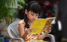 Để trẻ hứng thú đọc sách: đừng áp đặt hay cấm đoán