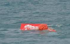 Indonesia vớt được đuôi máy bay QZ8501